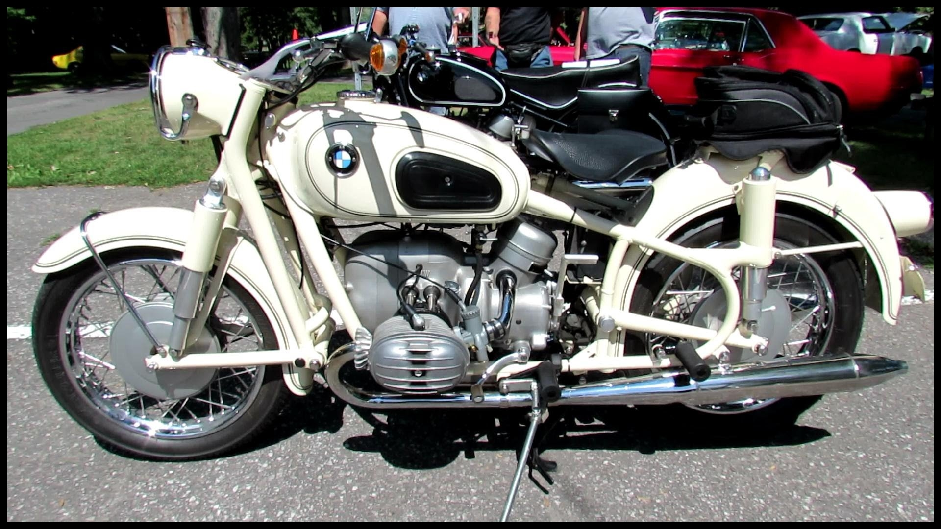 1965 BMW R60 2 Motorcycle 2012 Beaconsfield Montreal Quebec Classic Car Exposition VAQ