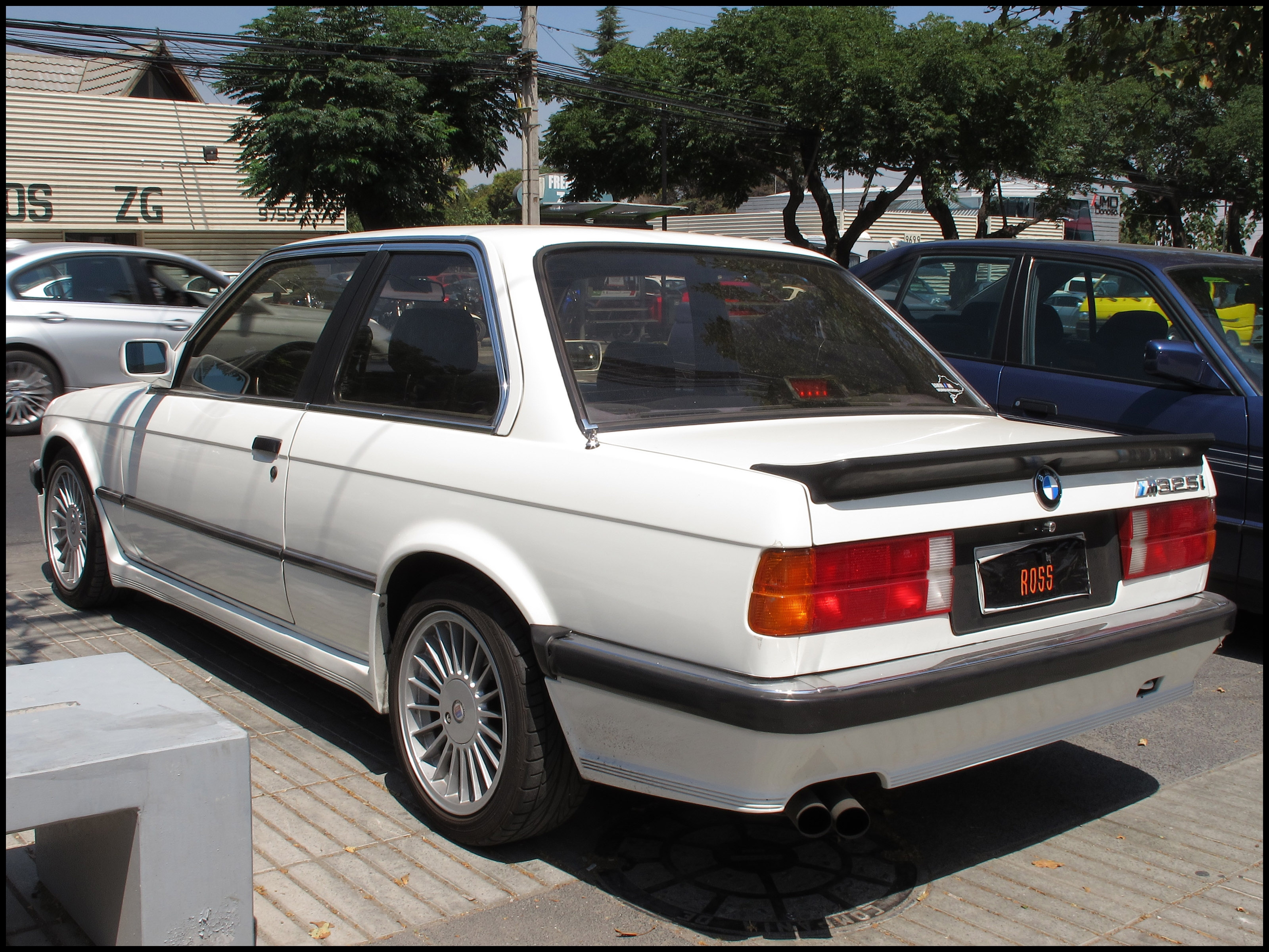 File BMW 325i M Coupe 1987