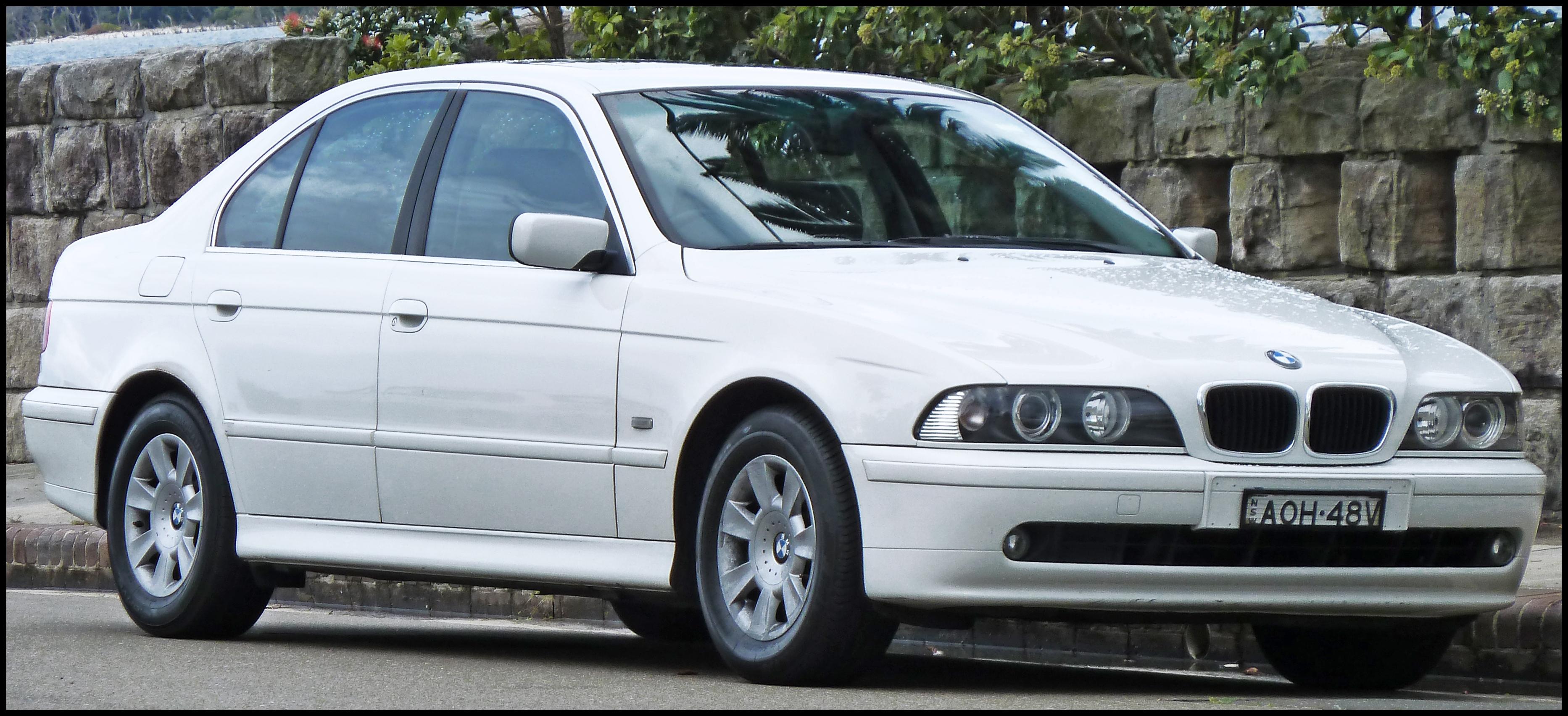 2000 2003 BMW 525i E39 Executive sedan % 10 02 01