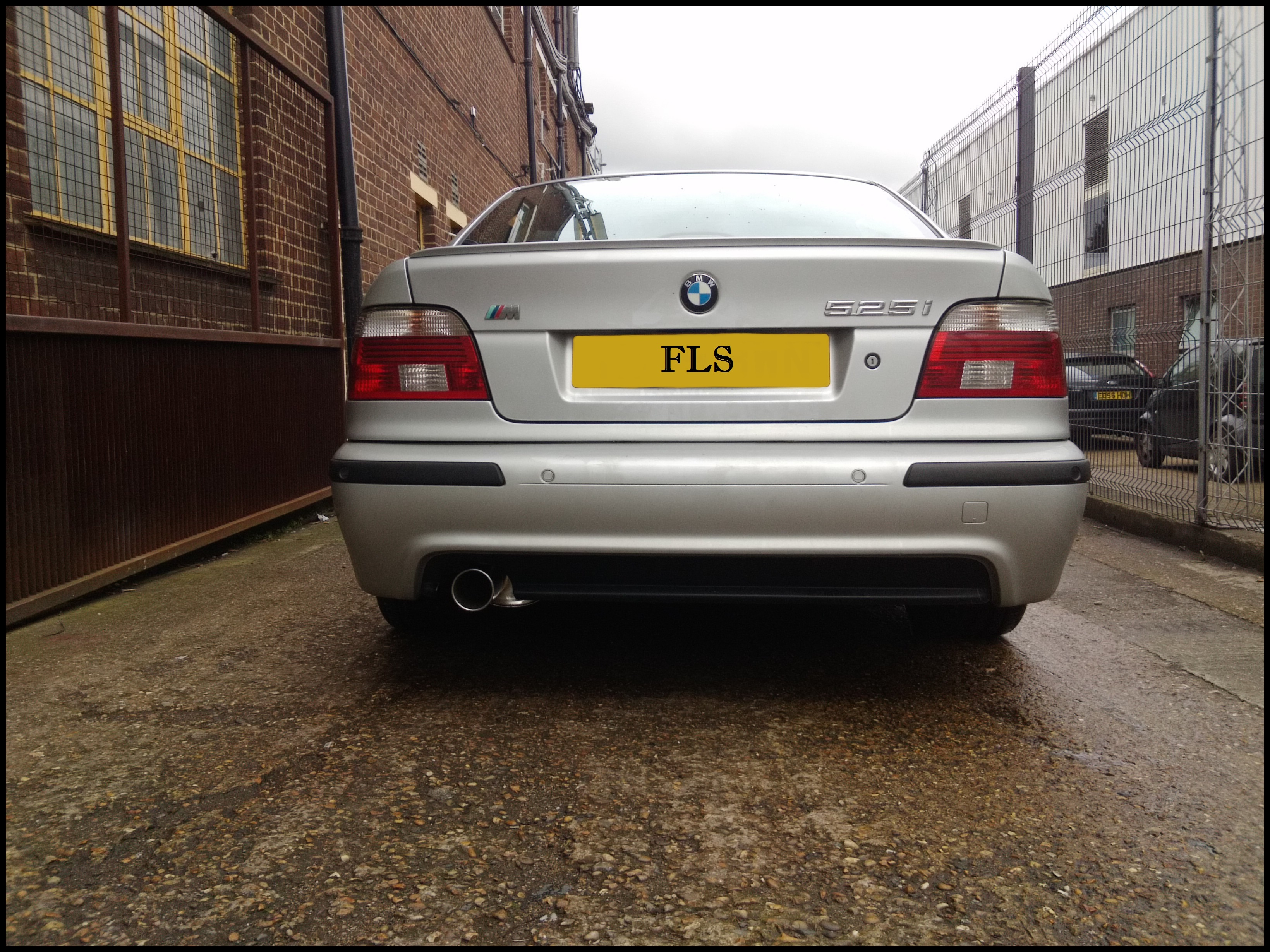 BACK BOX SUPPLY and FIT BMW 525i