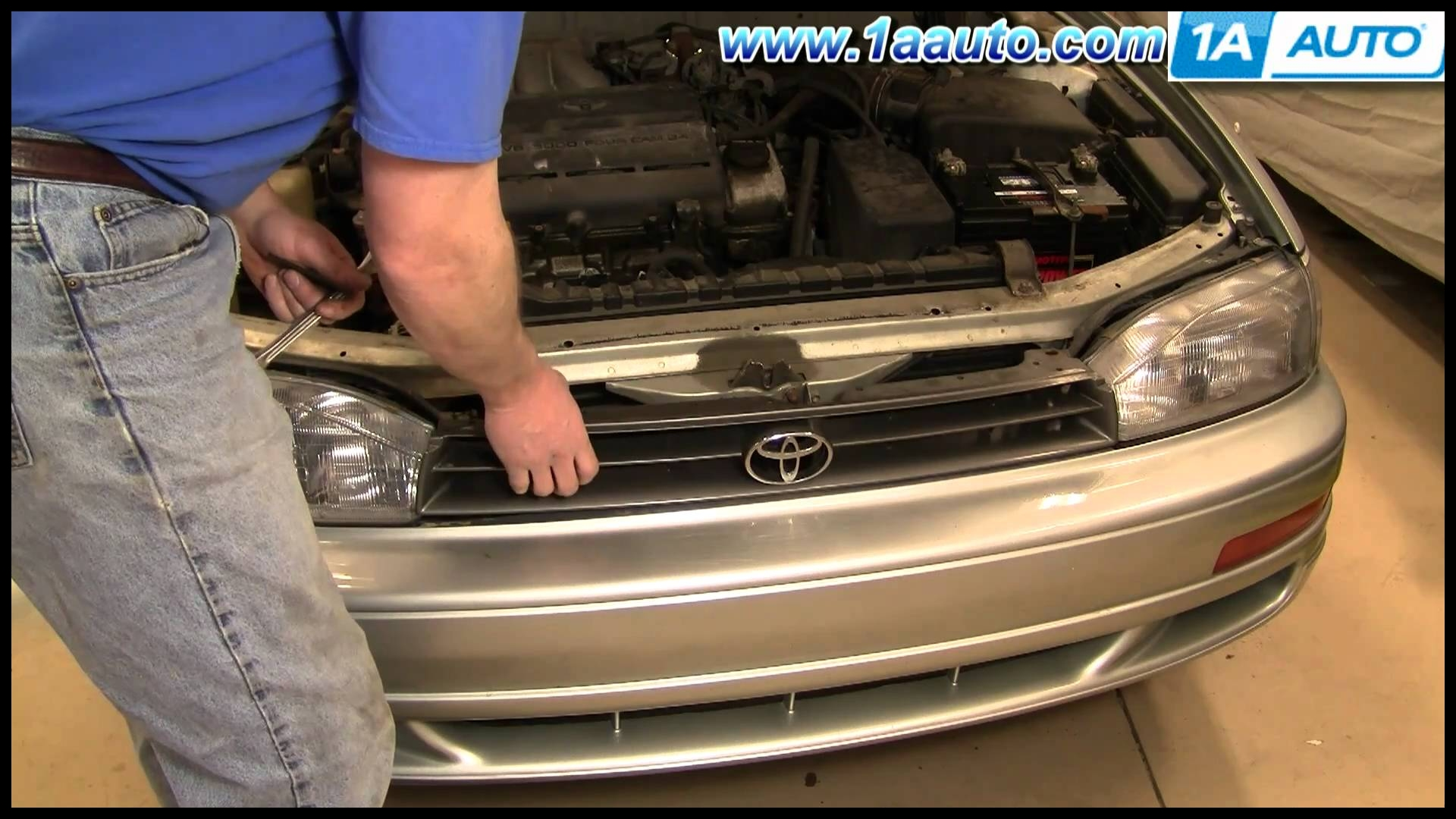 How To Install Replace Damaged Front Radiator Grille Toyota Camry 92 94 1AAuto