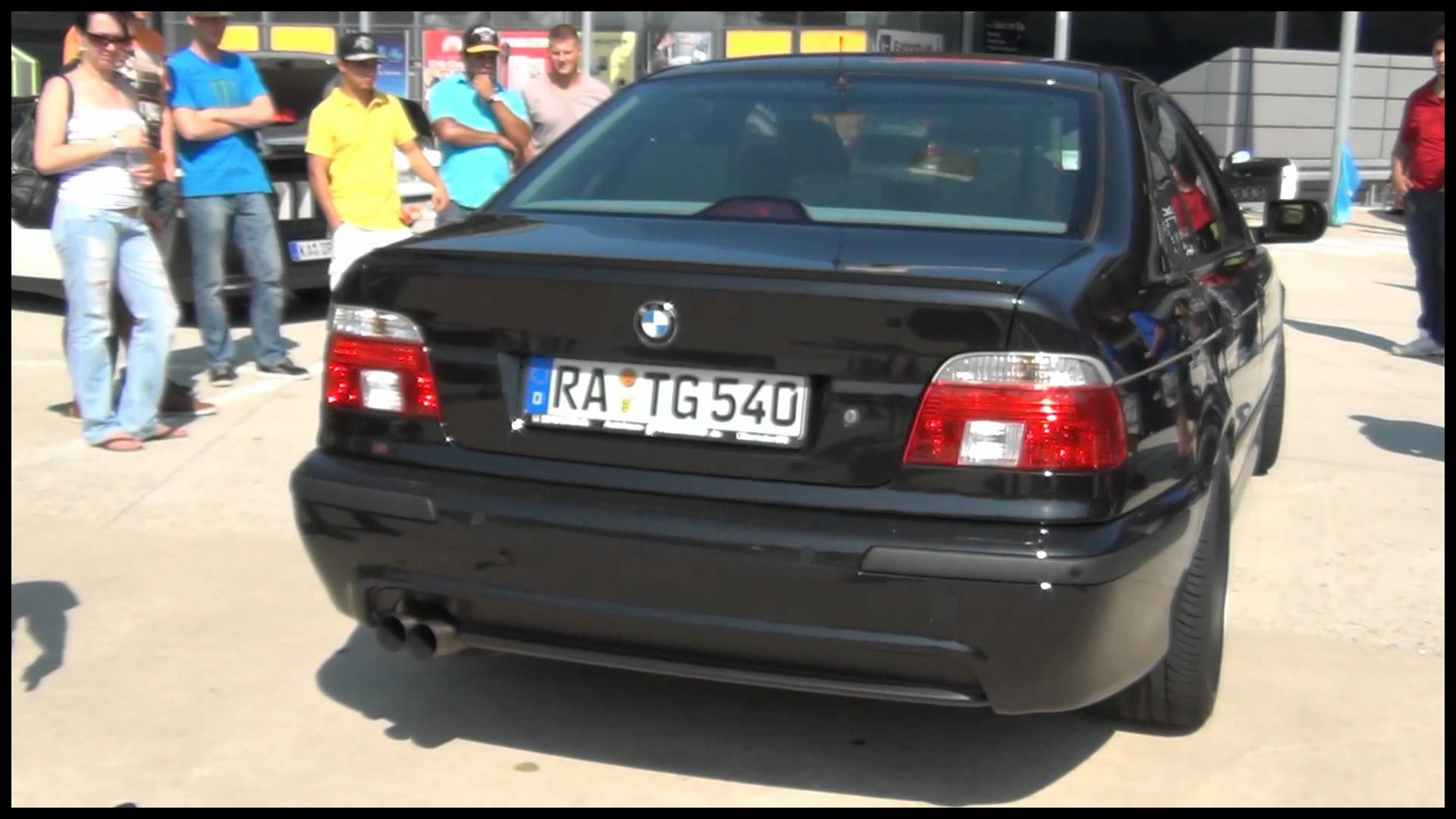 HD Decatted BMW 540i Lovely V8 Sound