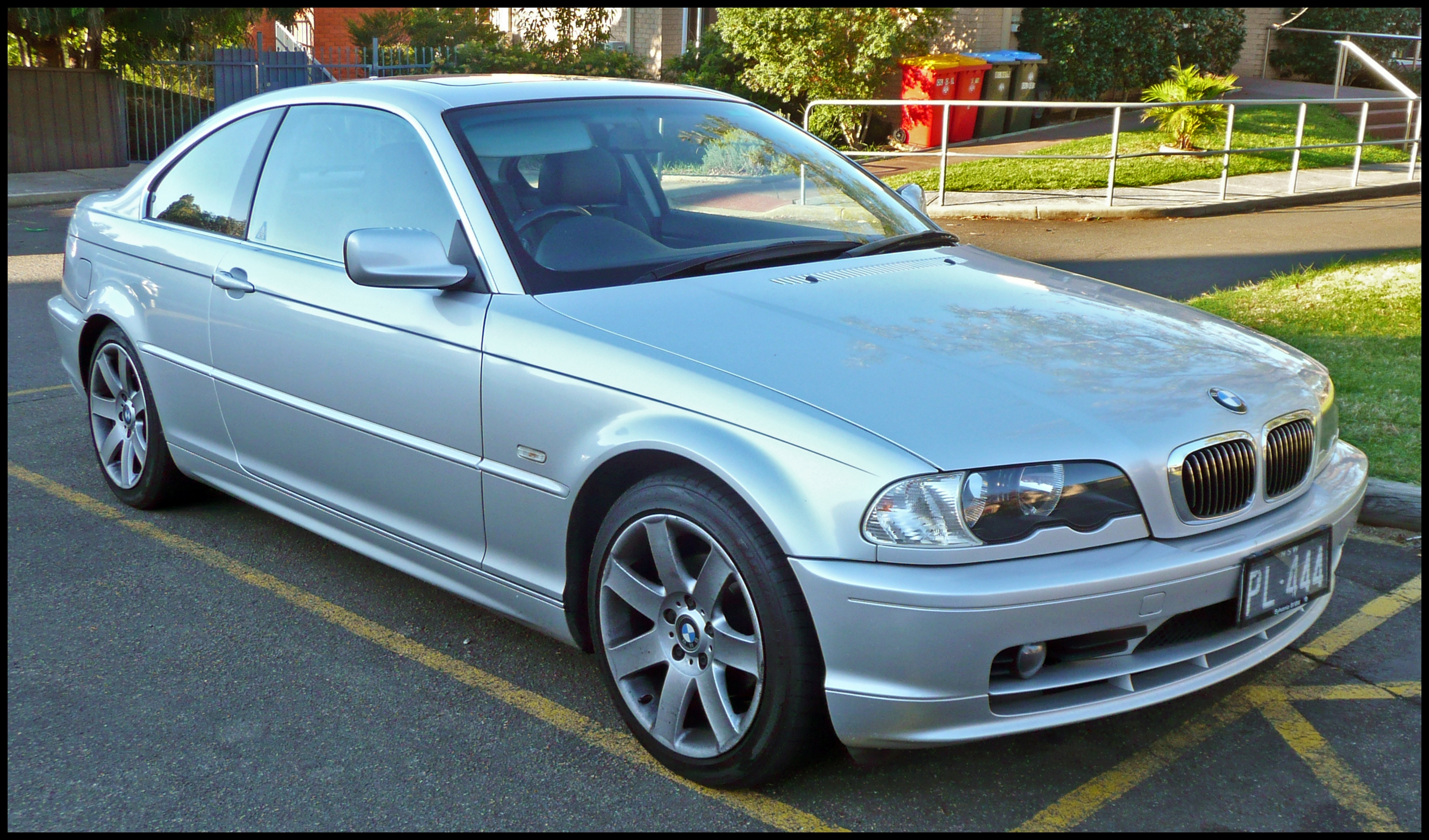 File 2000 2003 BMW 320Ci E46 coupe 01