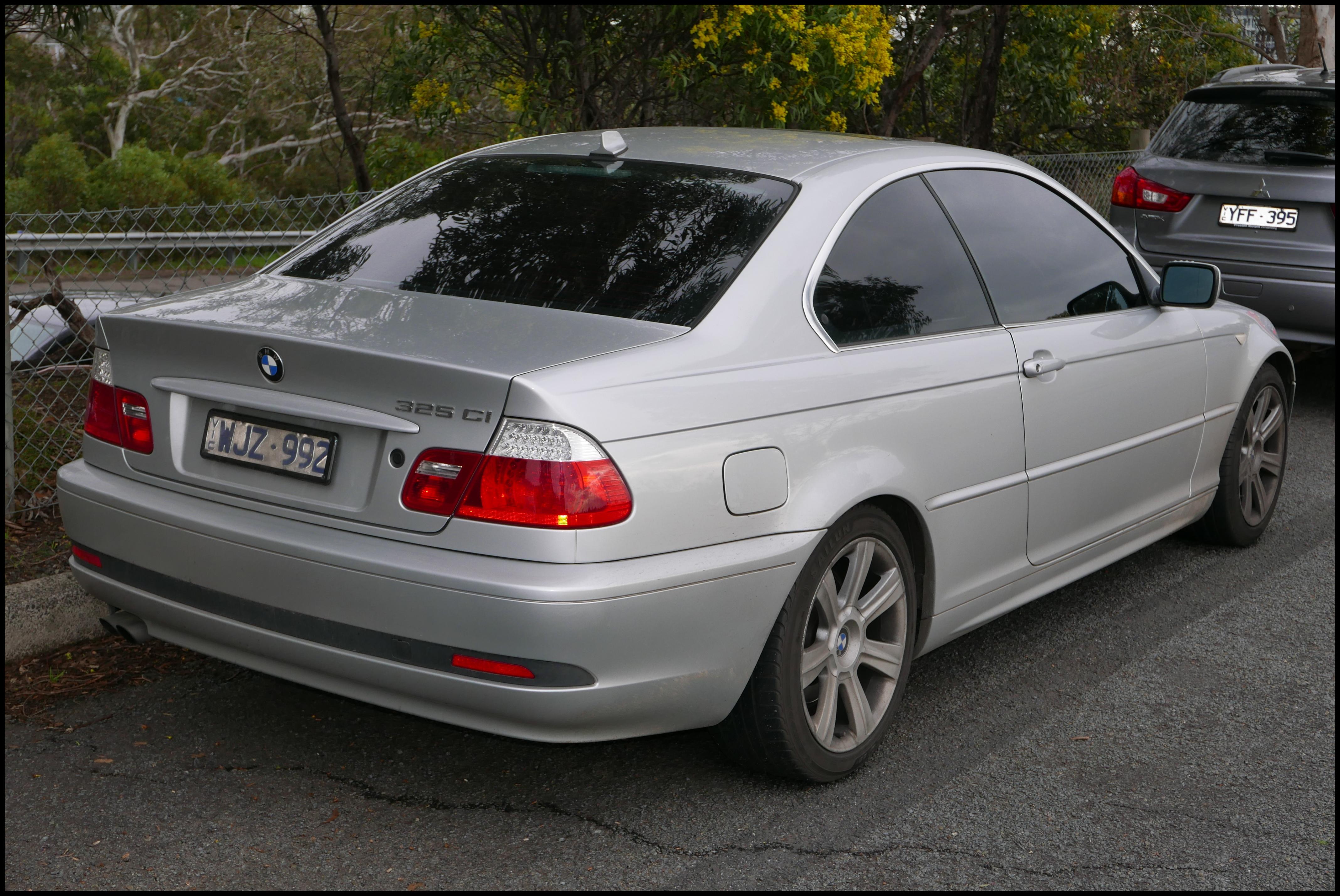 File 2004 BMW 325Ci E46 MY04 coupe 2015 07 24