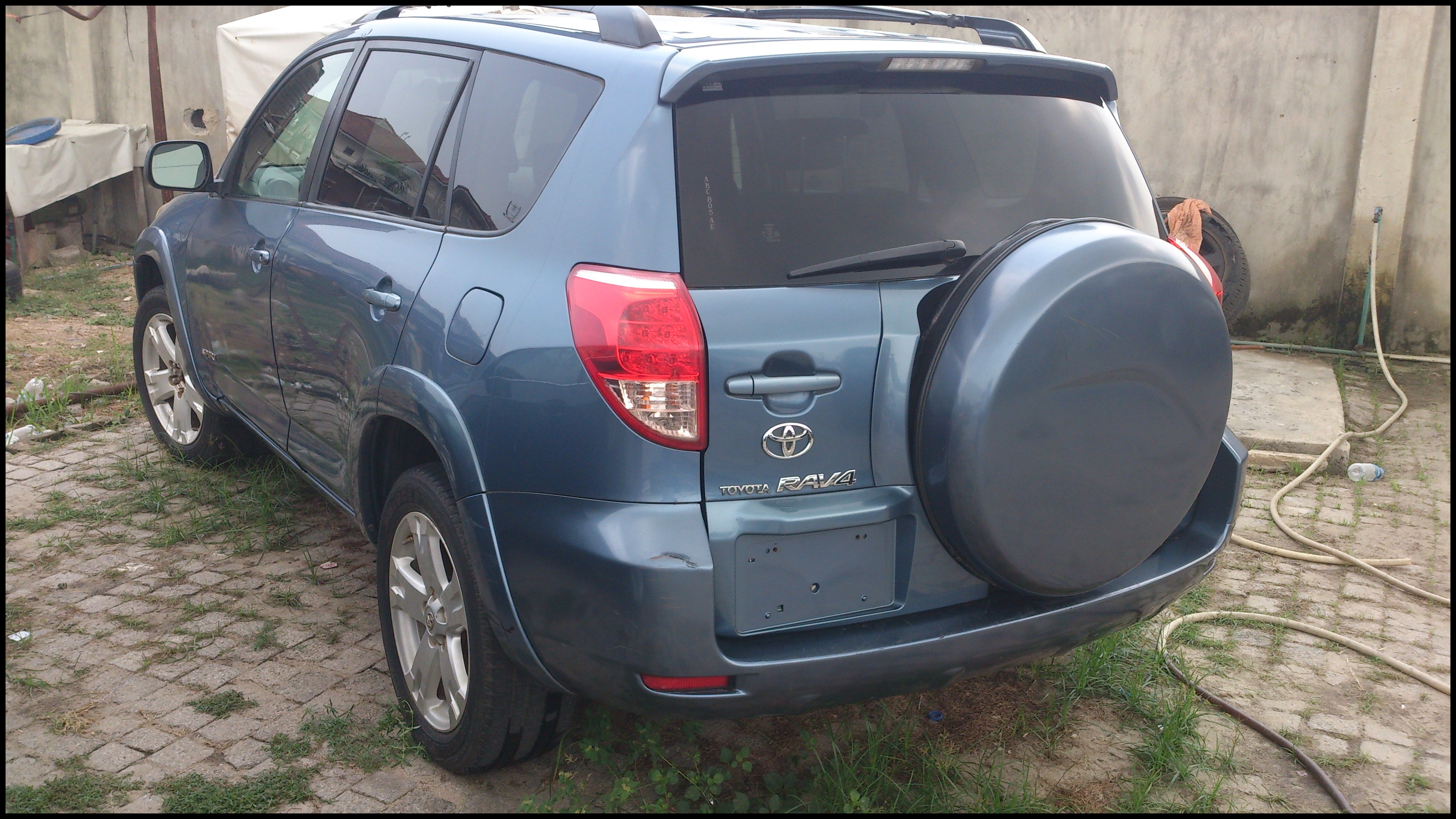 Matching Spare Installed Tire Cover Removed Page 2 06 12 Toyota Rav4 30