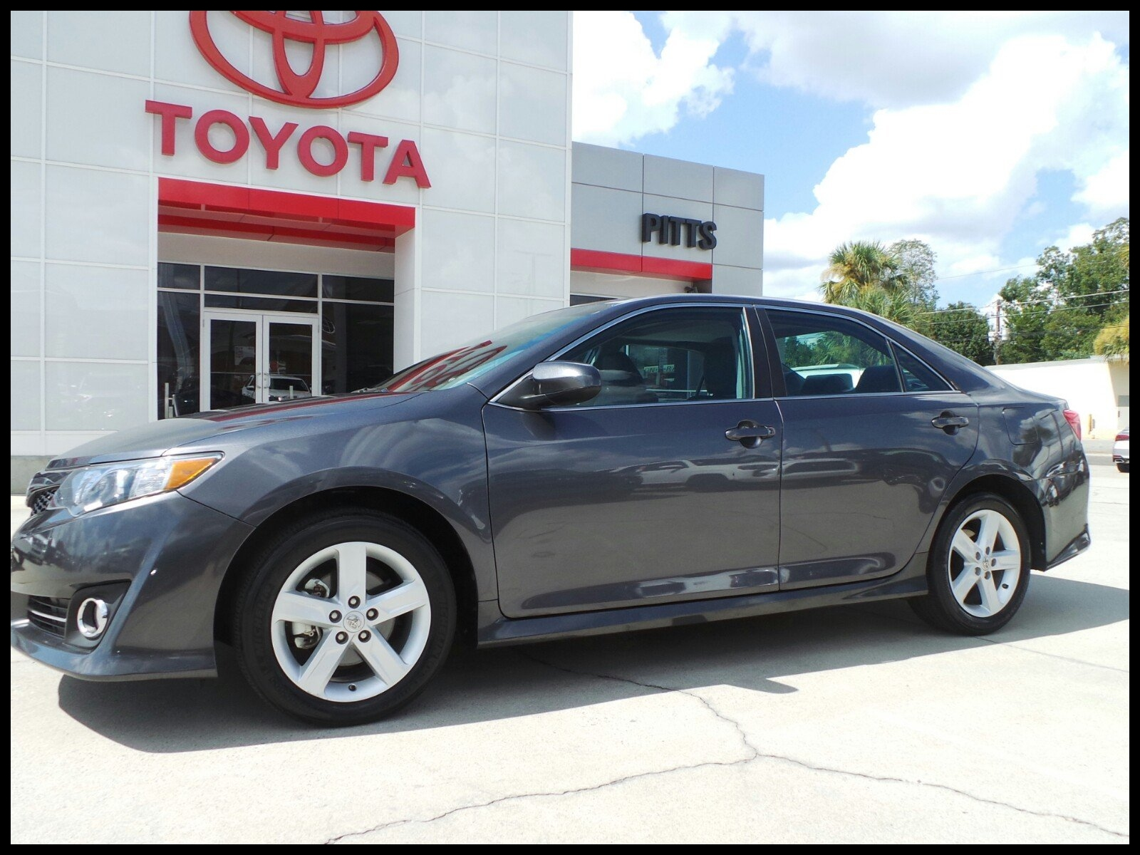 Pre Owned 2012 Toyota Camry SE