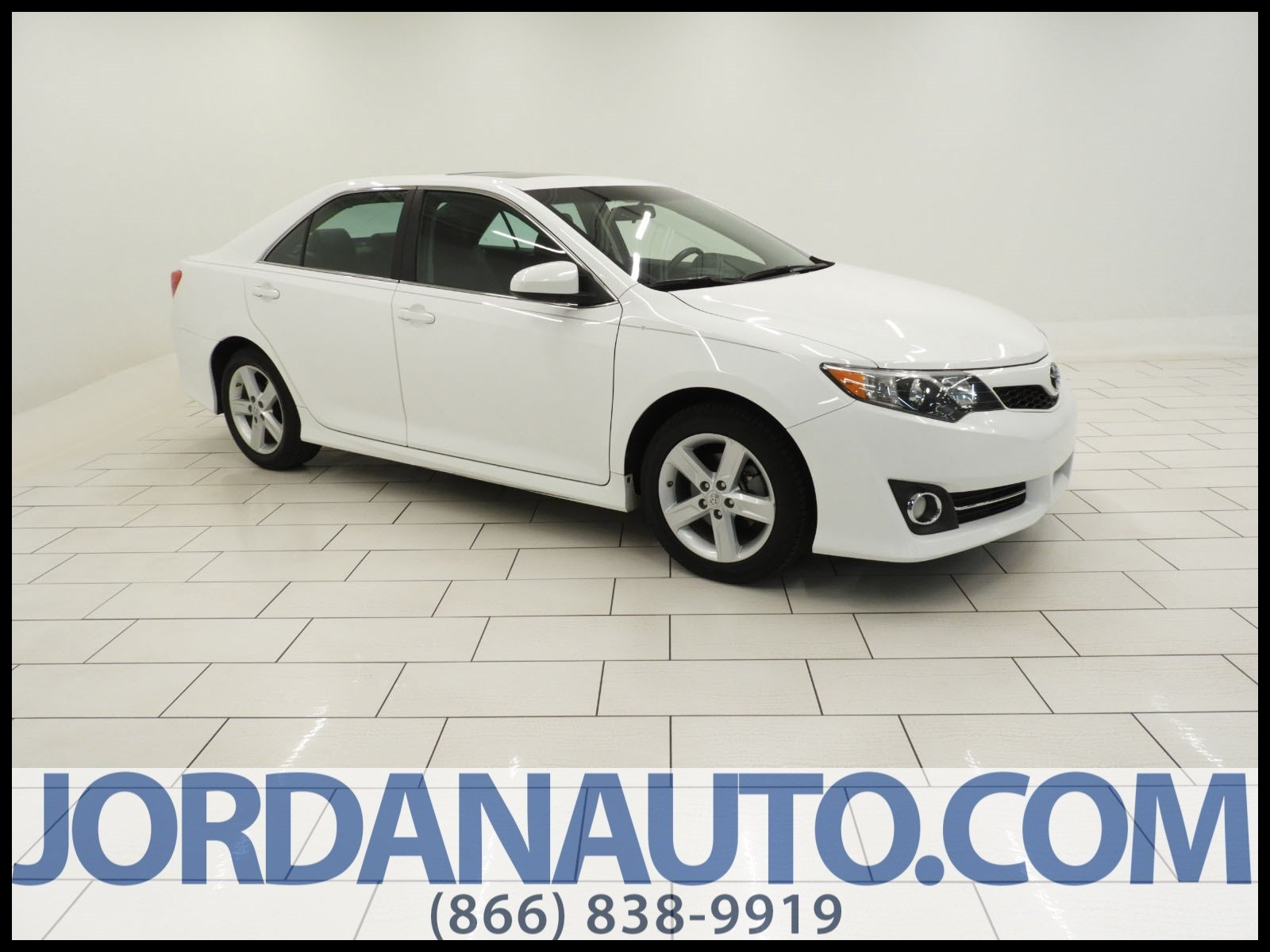 Pre Owned 2013 Toyota Camry SE