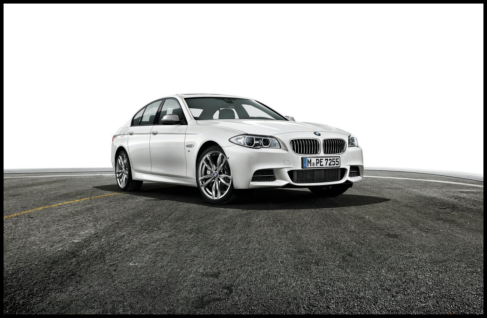 2015 bmw 535d passenger side front view