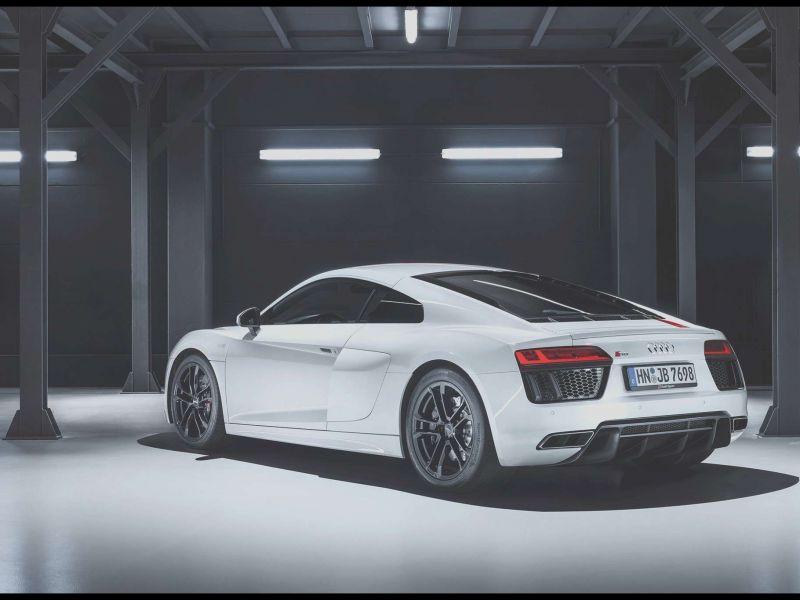 All Black Audi R8