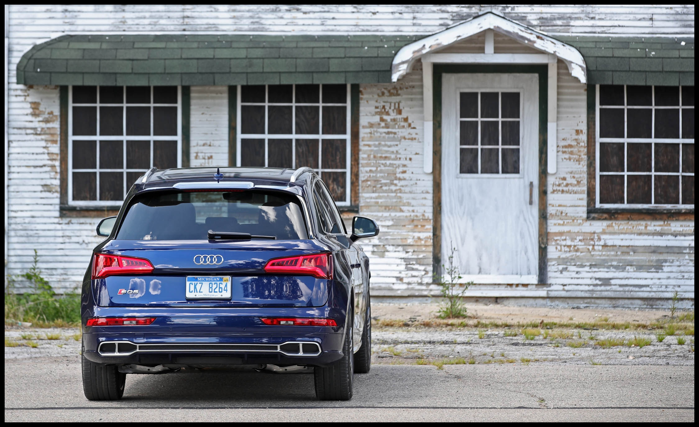 2018 audi sq5 cargo space and storage review car and driver photo s original