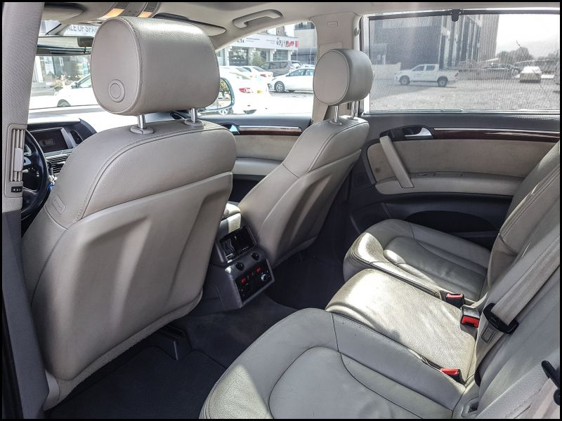 Audi Q7 Captains Chairs