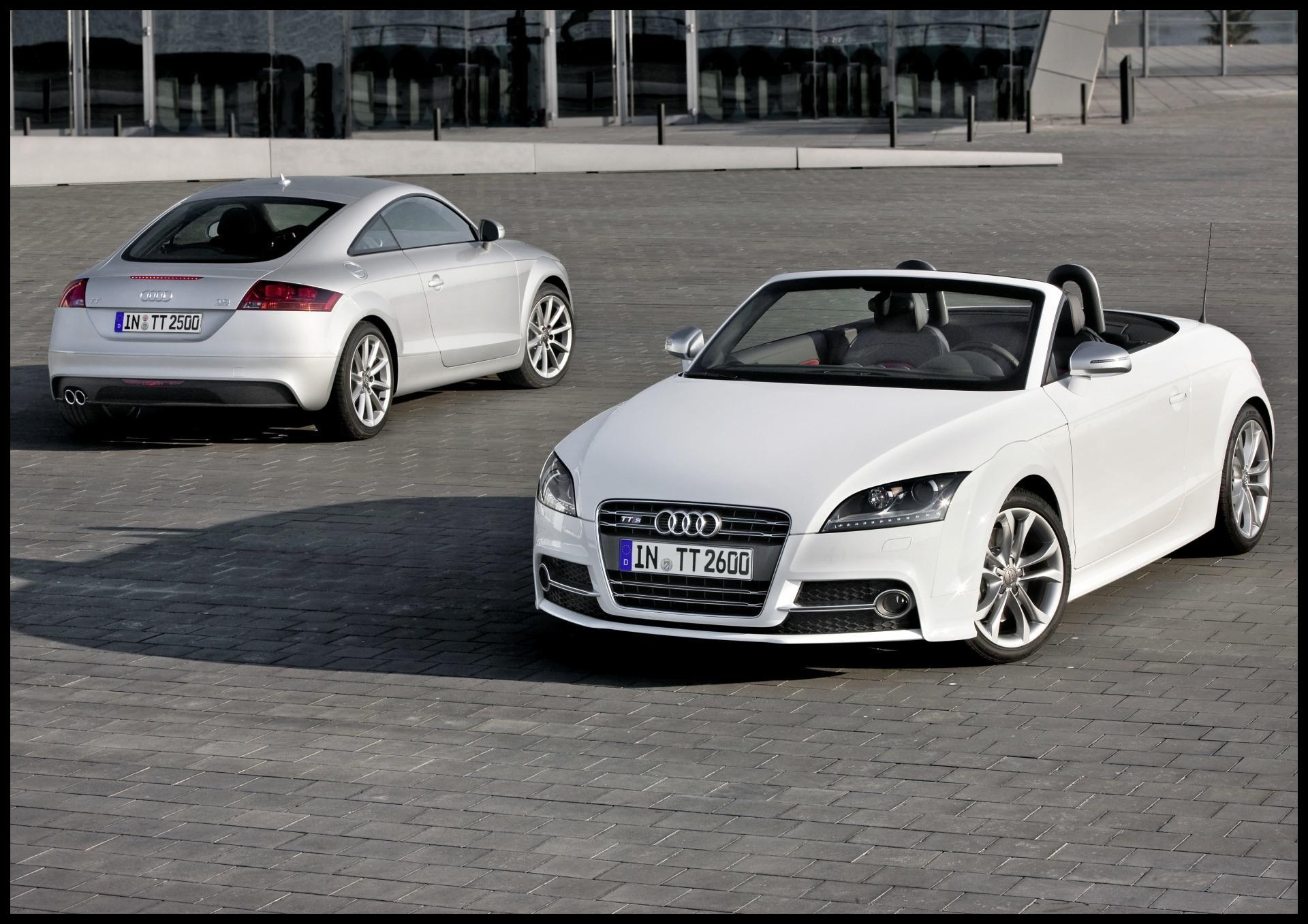2011 Audi TT Image 01