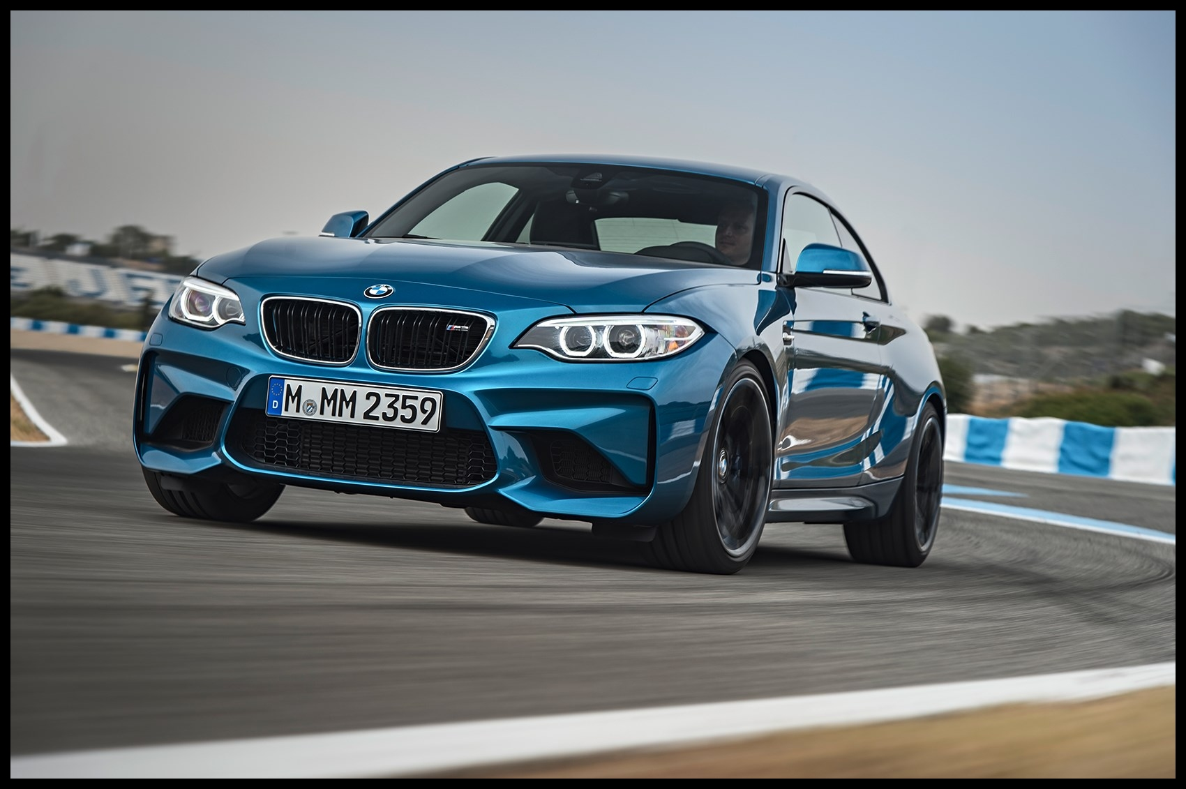 The new 2016 BMW M2