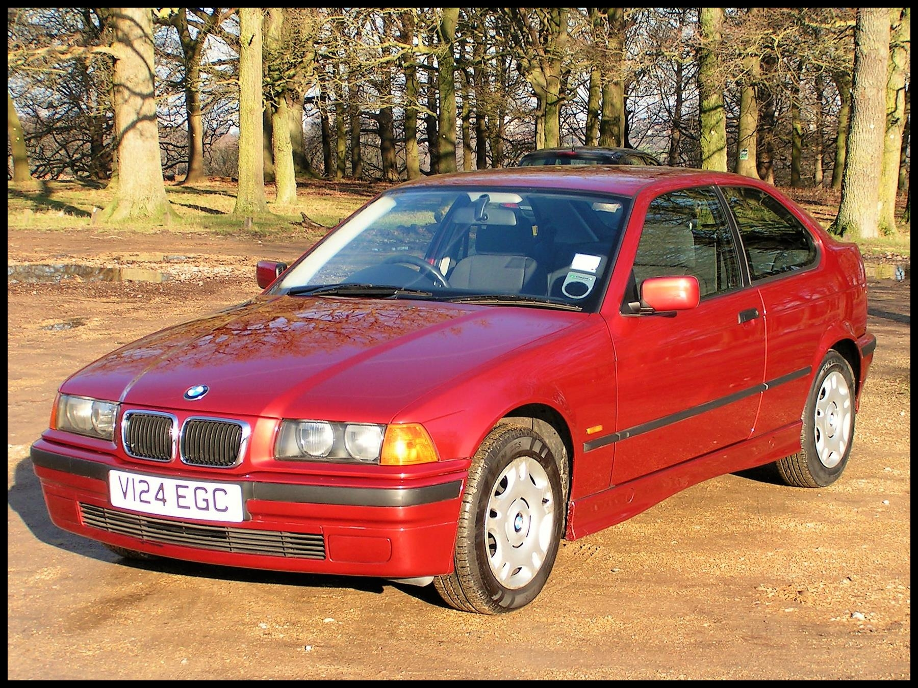 BMW 316I PACT 1 9 AUTOMATIC ONE LADY OWNER GENUINE MILES OUTSTANDING CONDITION THROUGHOUT AIR CON PARKING SENSORS 1999