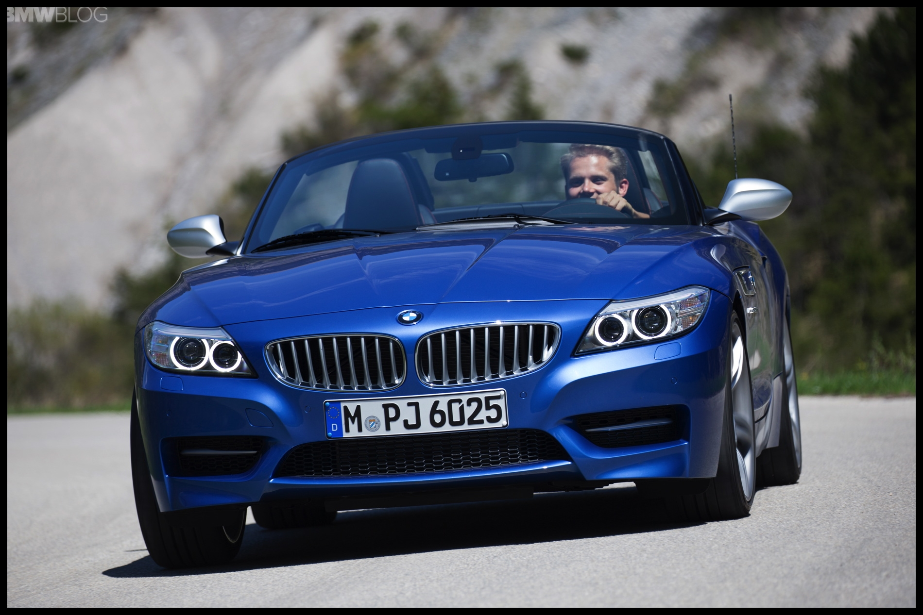 2015 bmw z4 estoril blue 1900x1200 images 58