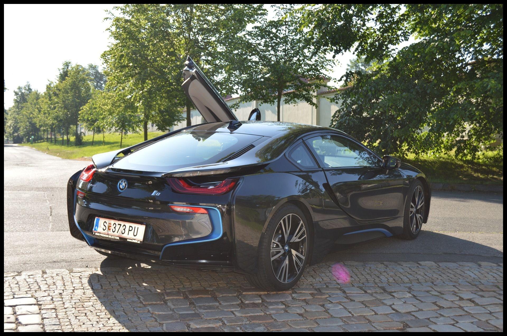 Stunning BMW i8