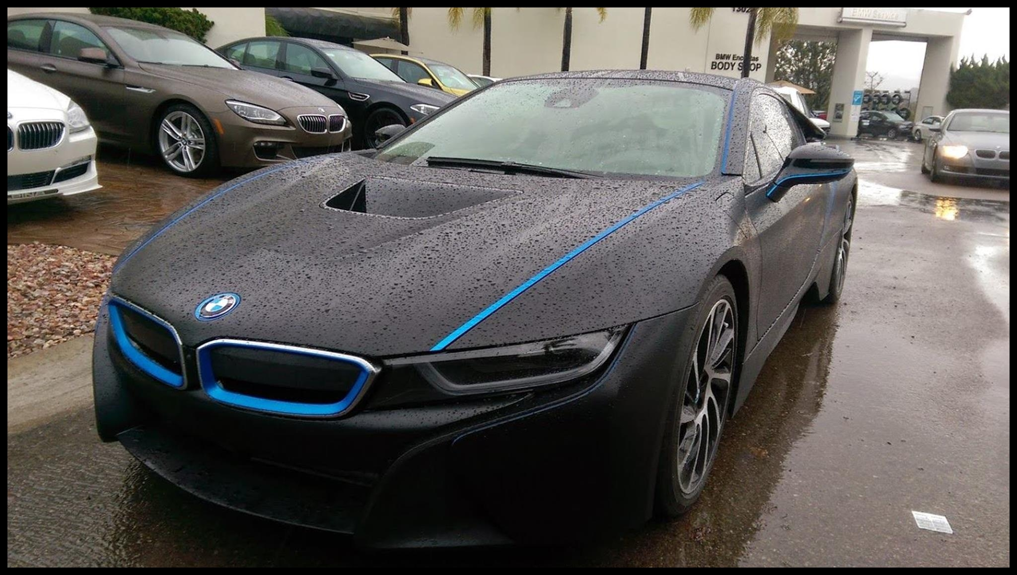 BMW i8 Wrapped in Black Wrapped in black