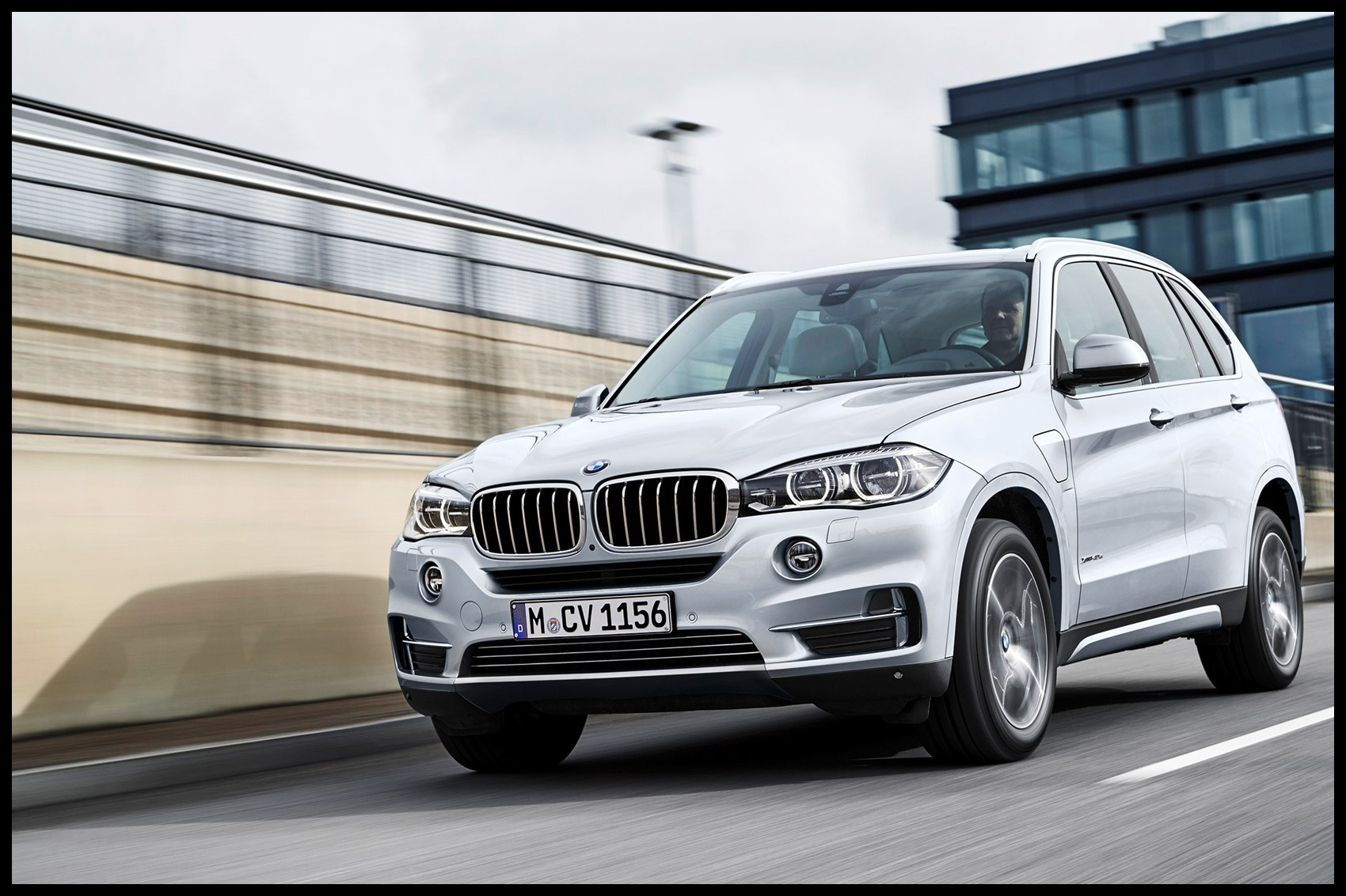 BMW X5 xDrive 40e first drive CAR June 2016