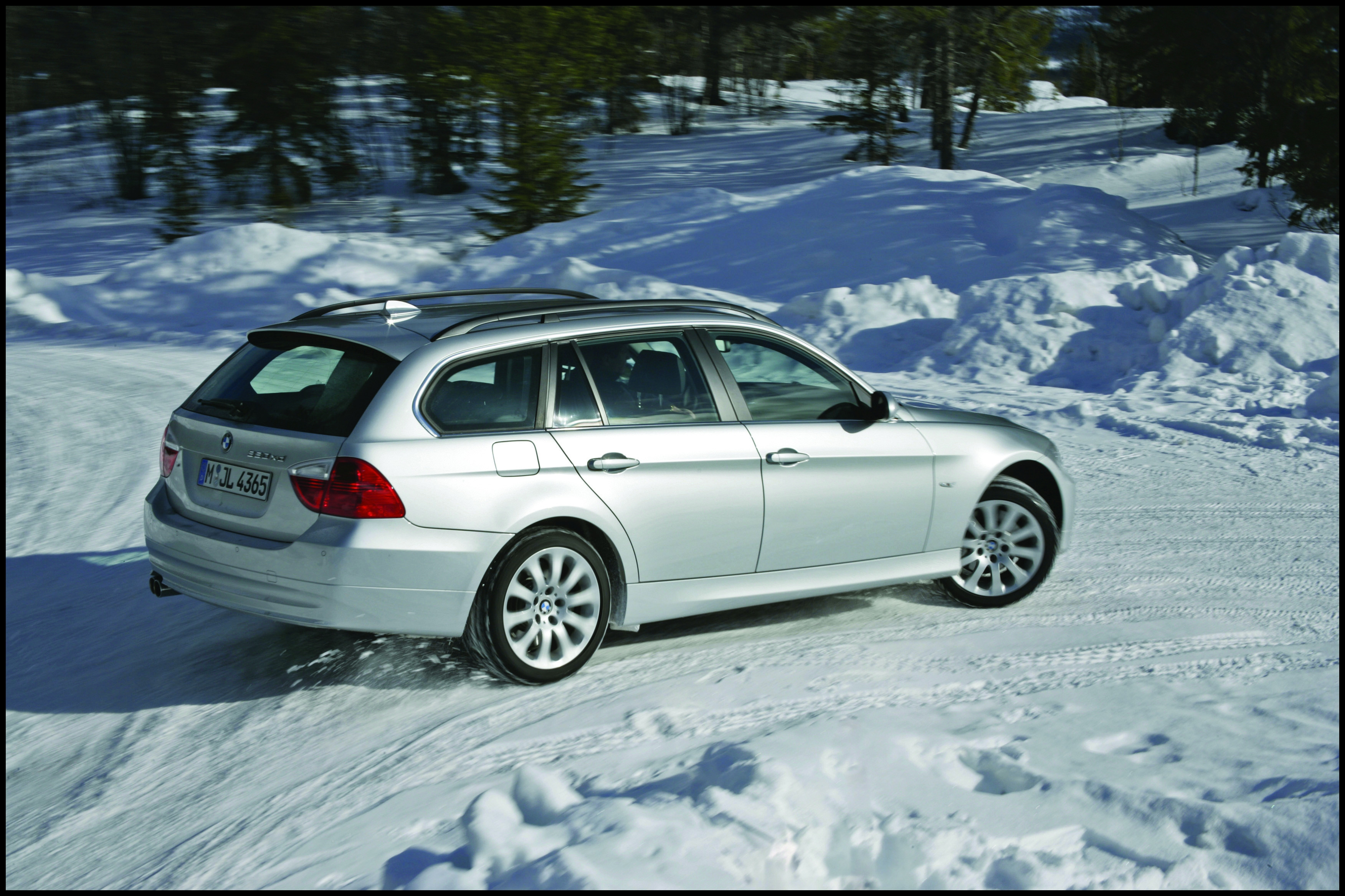 Driving Bmw 3 Series In Snow Best 30 Years Bmw All Wheel Drive Cars