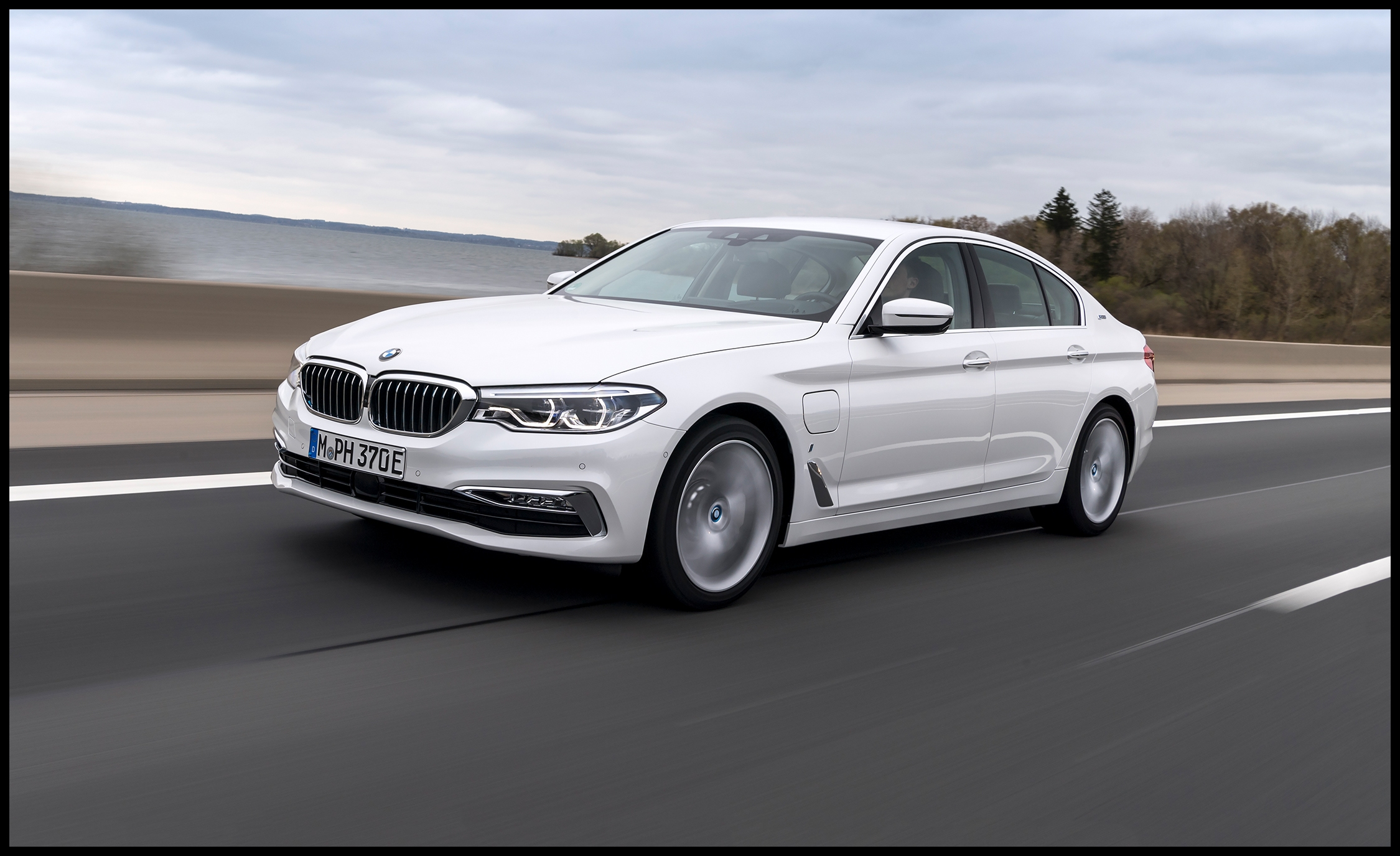 2018 bmw 530e plug in hybrid first drive review car and driver photo s original