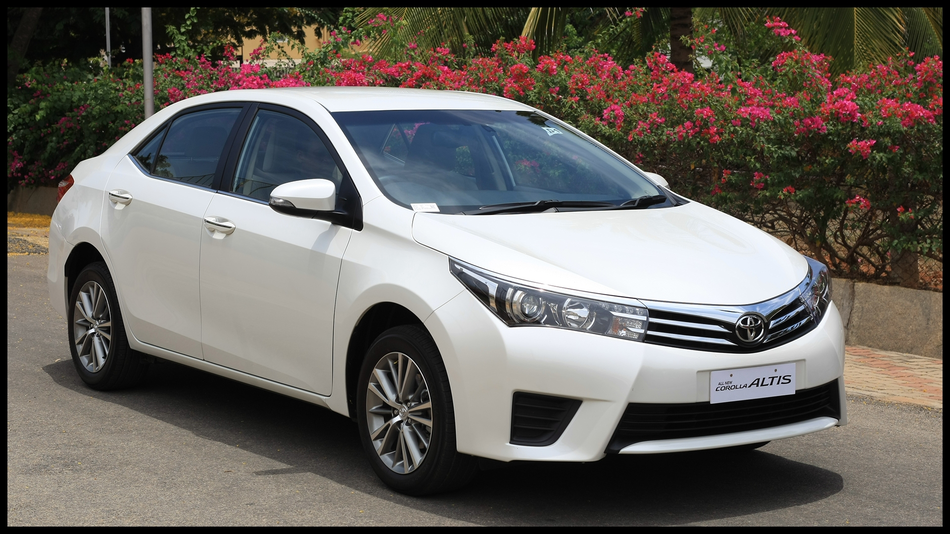 Toyota Corolla Altis 2014 Exterior