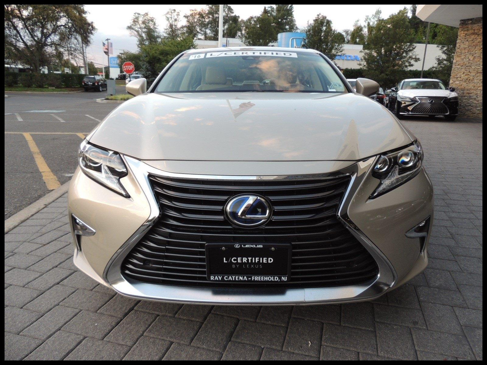 Certified Pre Owned 2016 Lexus ES 300h Hybrid
