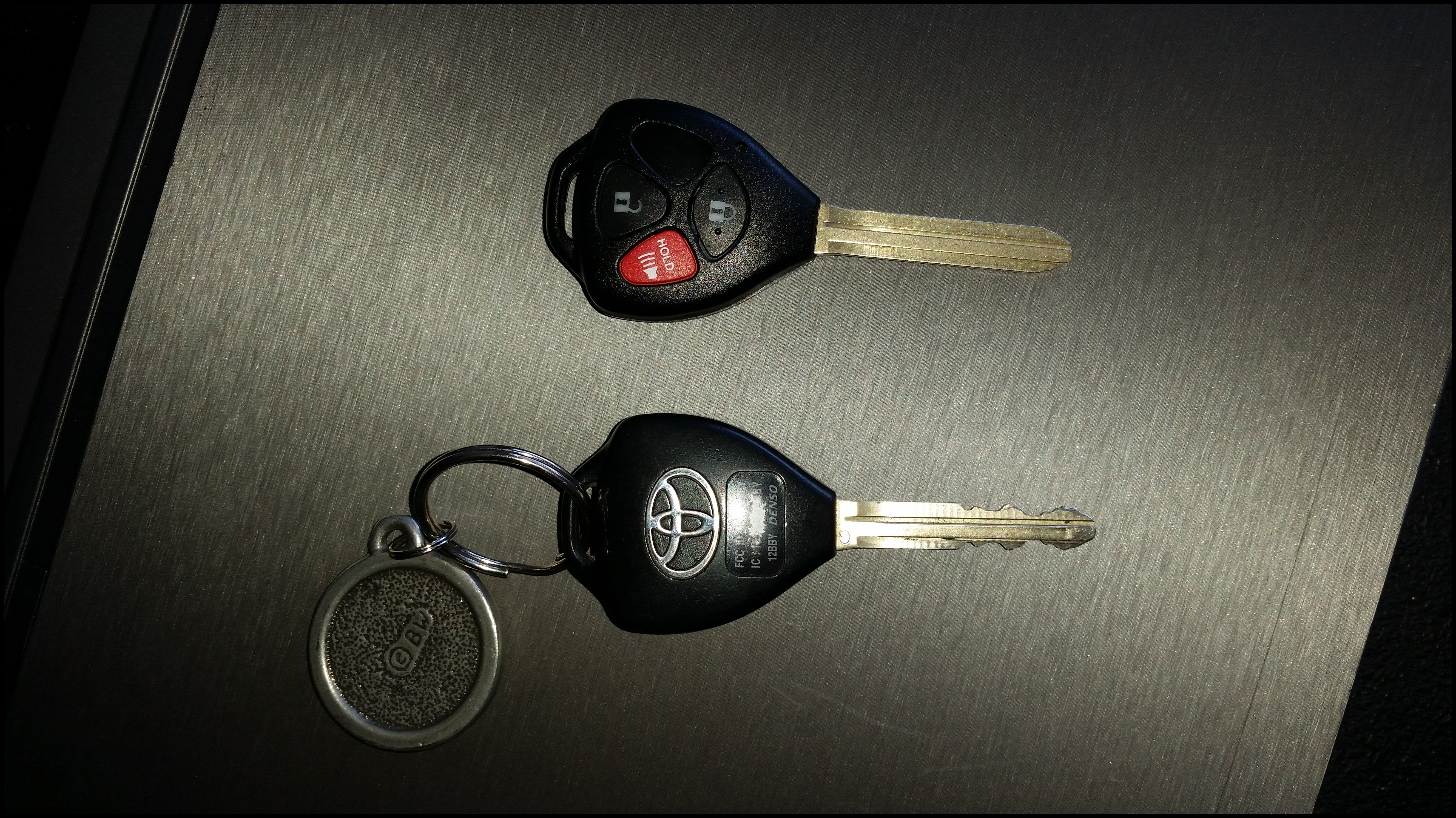 Key replacement and programming on 2013 Toyota Yaris