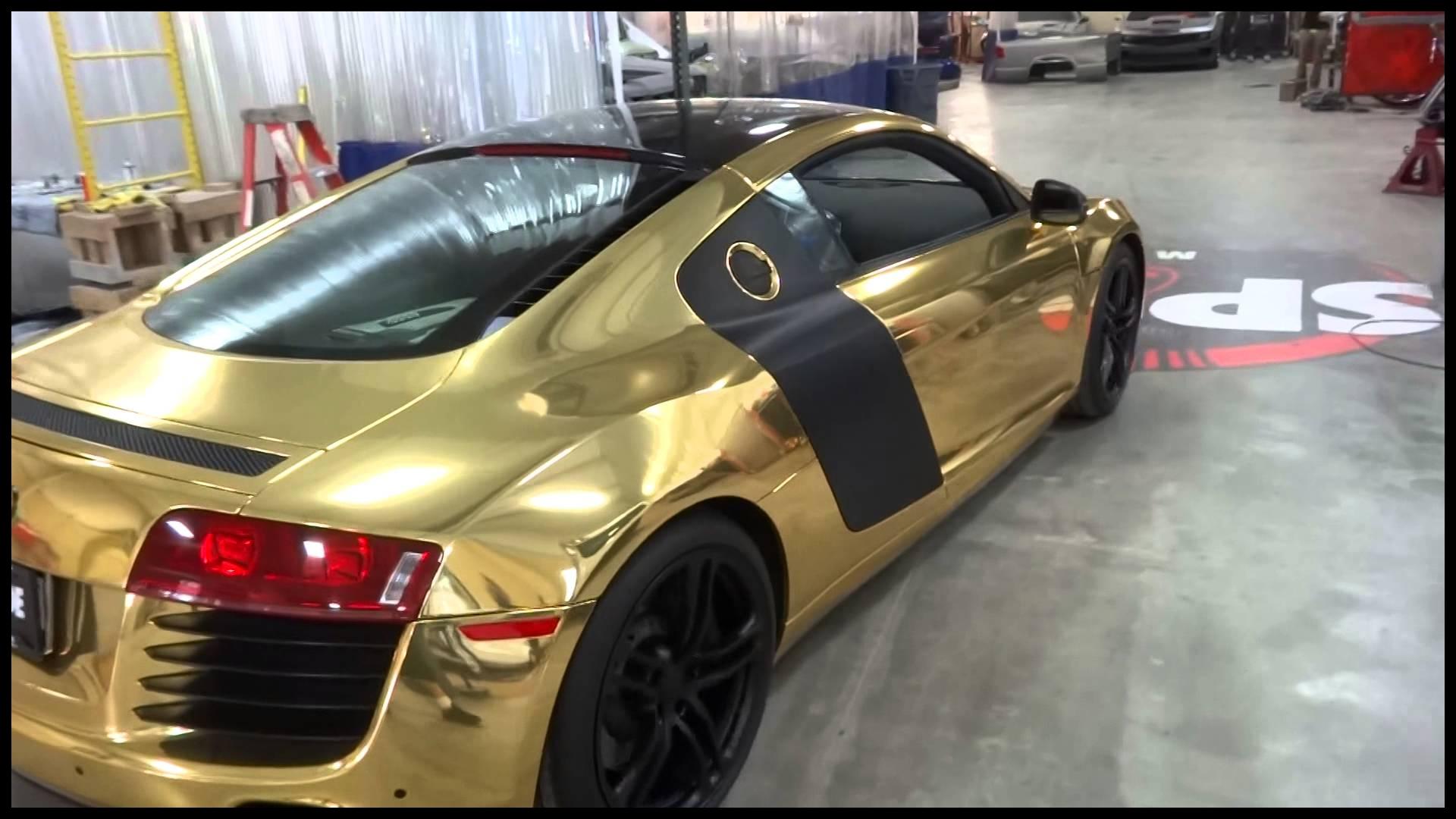 Gold Audi R8 Leaving