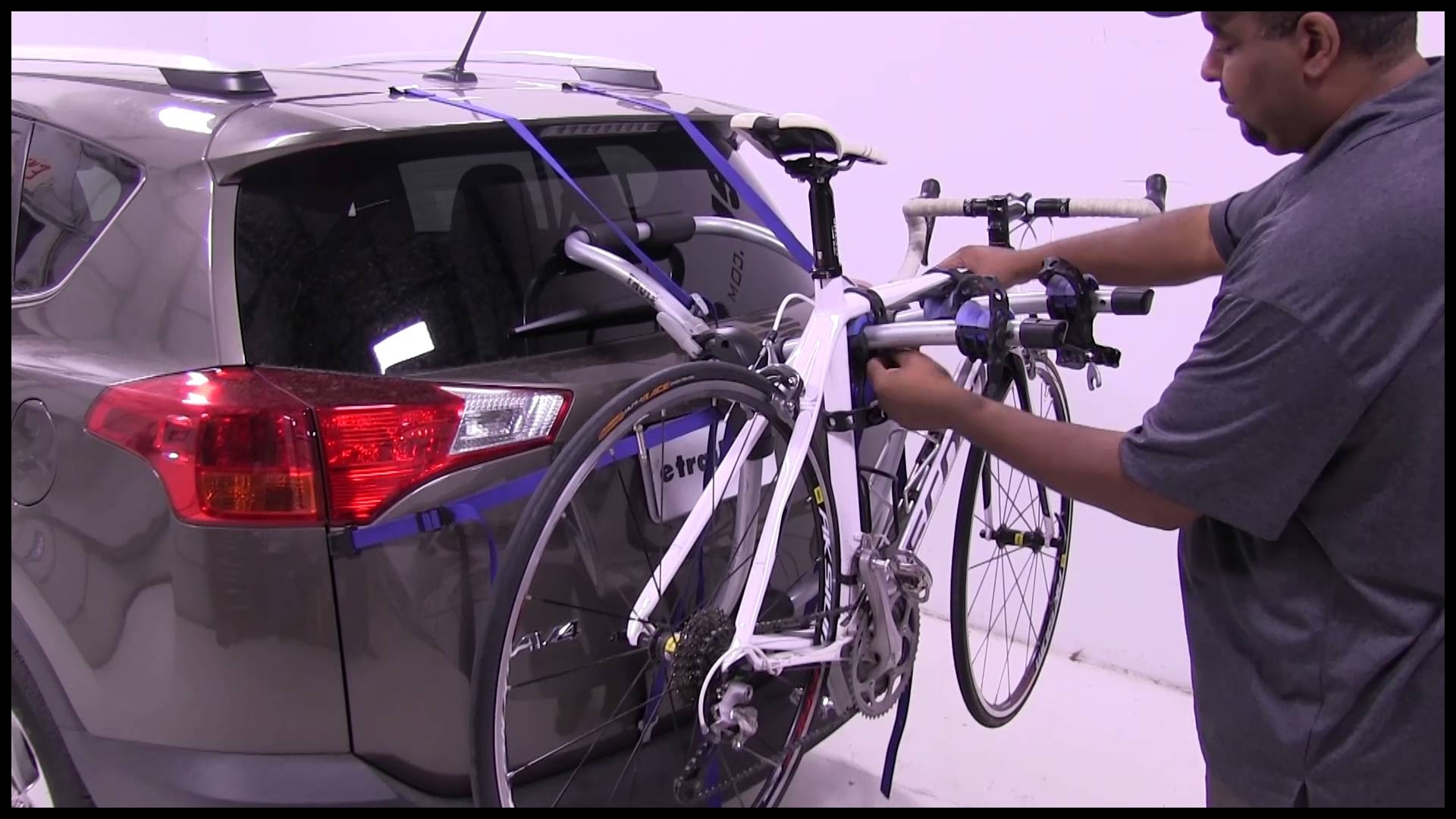 Review of the Thule Archway Trunk Bike Racks on a 2015 Toyota RAV4 etrailer