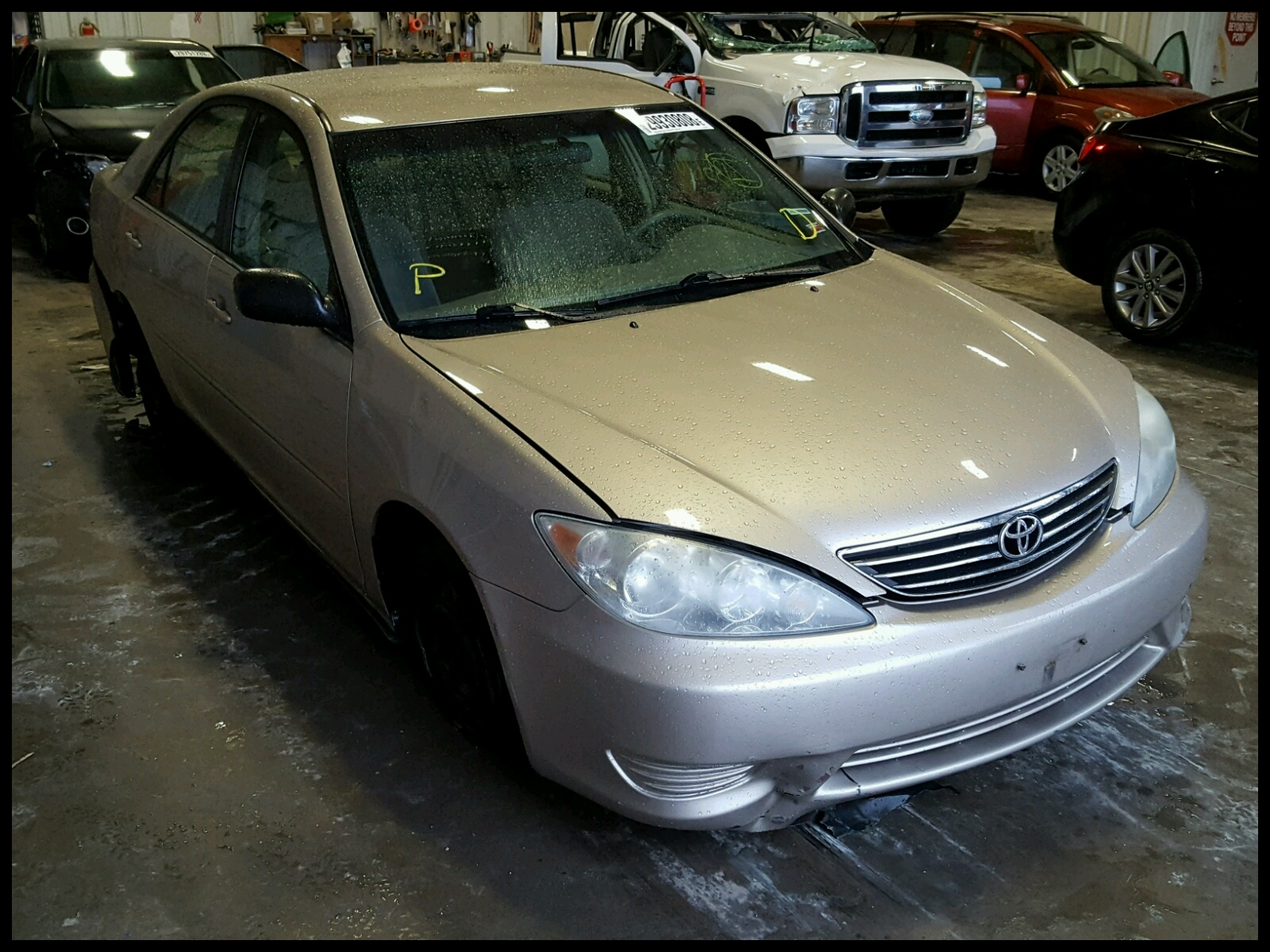 4T1BE32K55U 2005 TOYOTA CAMRY LE 2 4L Left View