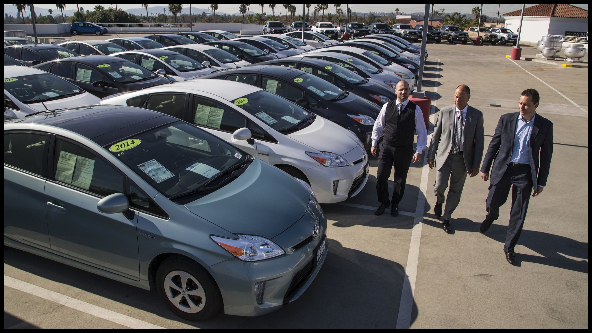 Toyota issues a safety recall for 2 4 million Prius Auris hybrids to fix a defect in their electronics Los Angeles Times