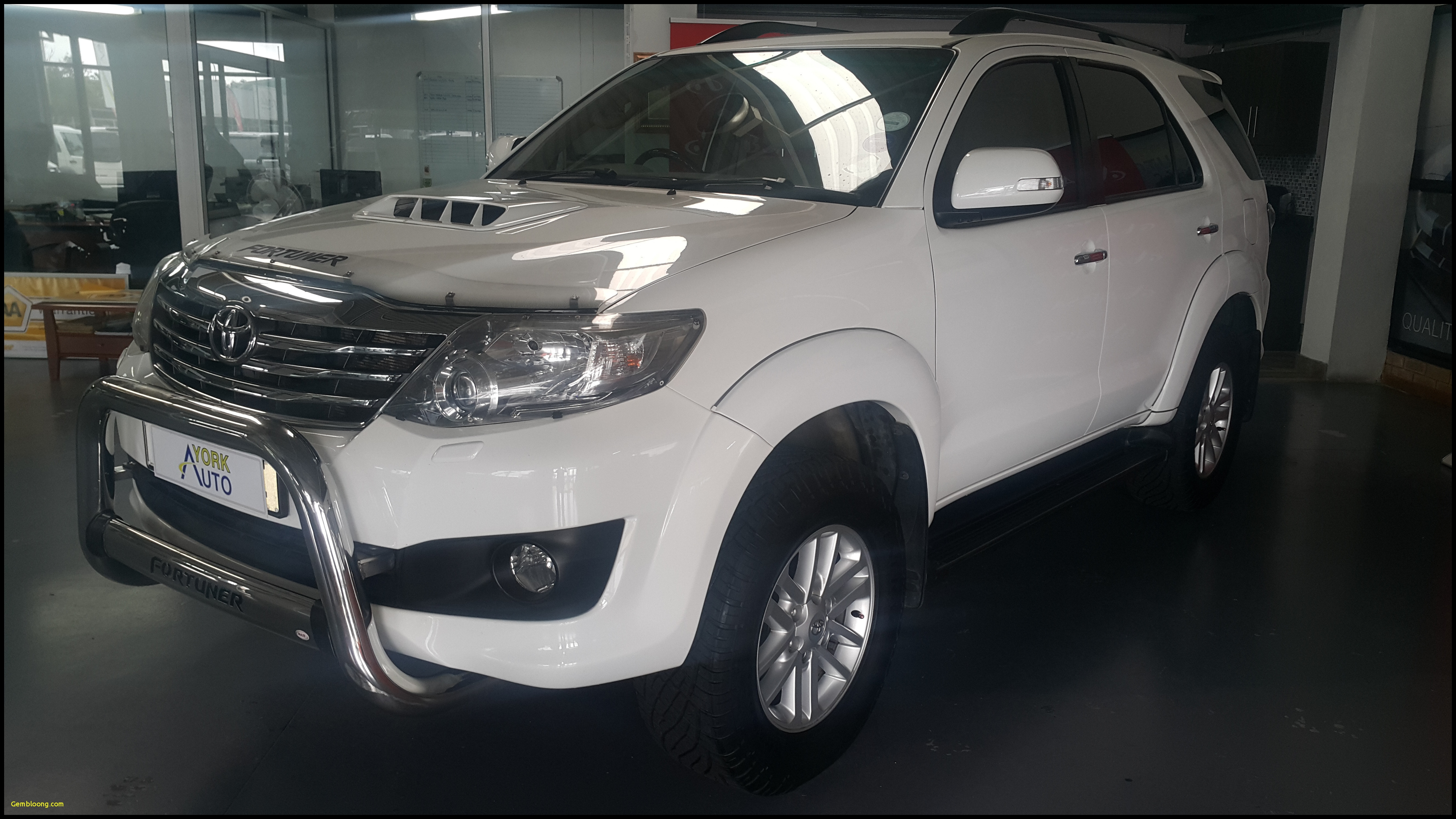 New 2018 toyota fortuner 2011 toyota fortuner 3 0d 4d 4—4 A T Pristine Spy