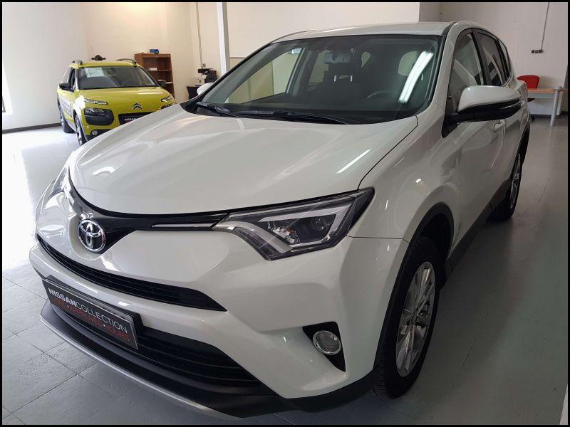 Toyota Rav4 2013 Interior Pictures