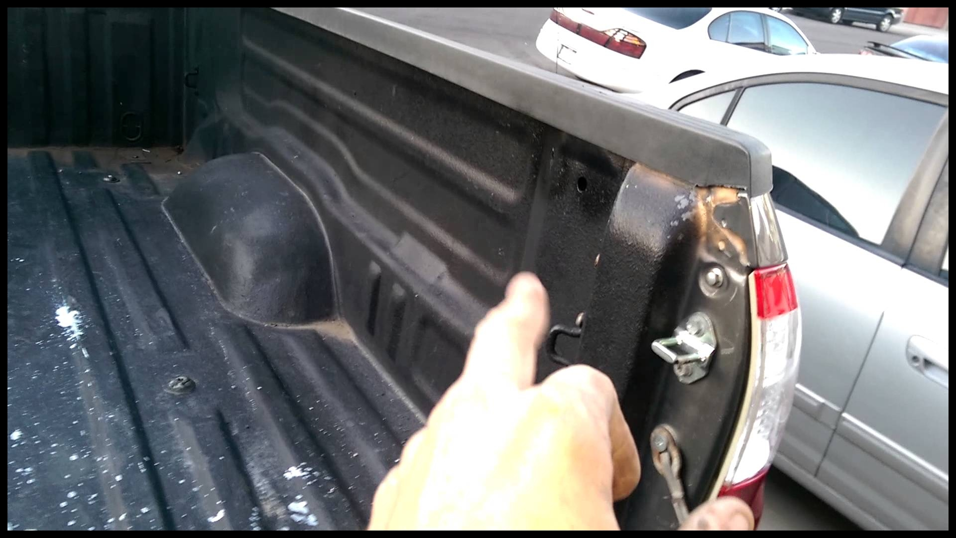 Generation 1 Toyota Tundra bed tied down system part 1