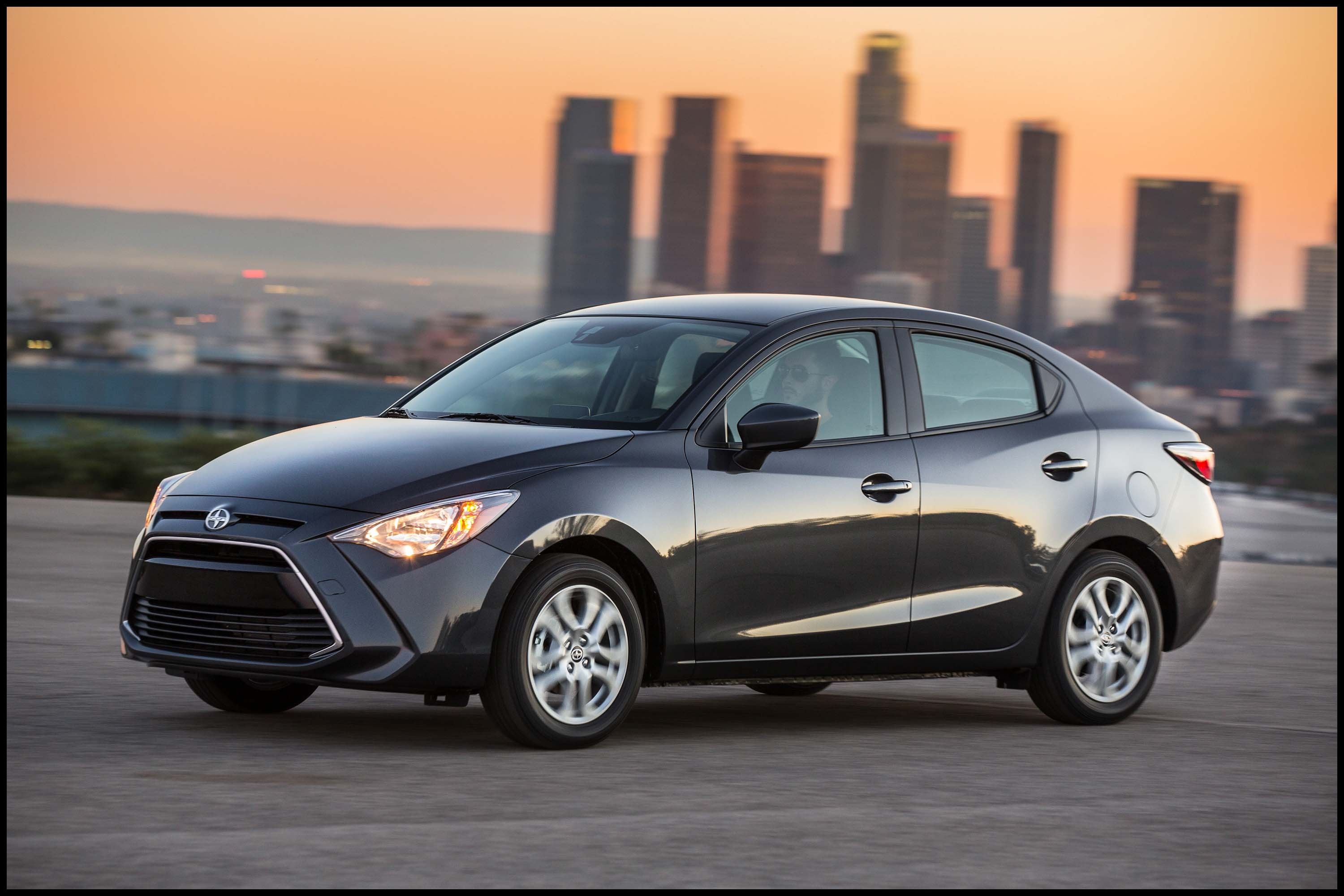 2017 Toyota Yaris iA vs Mazda 2 sedan parison