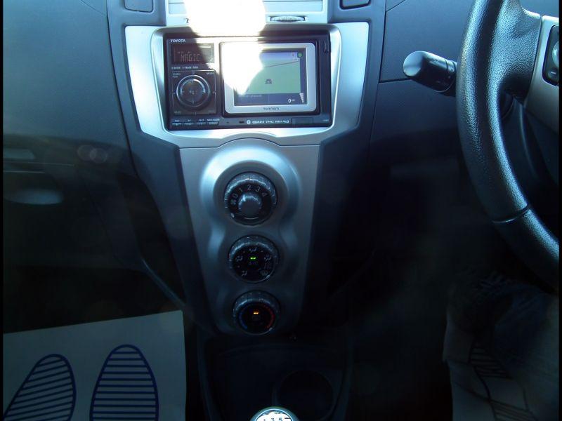 Toyota Yaris tomtom Sat Nav