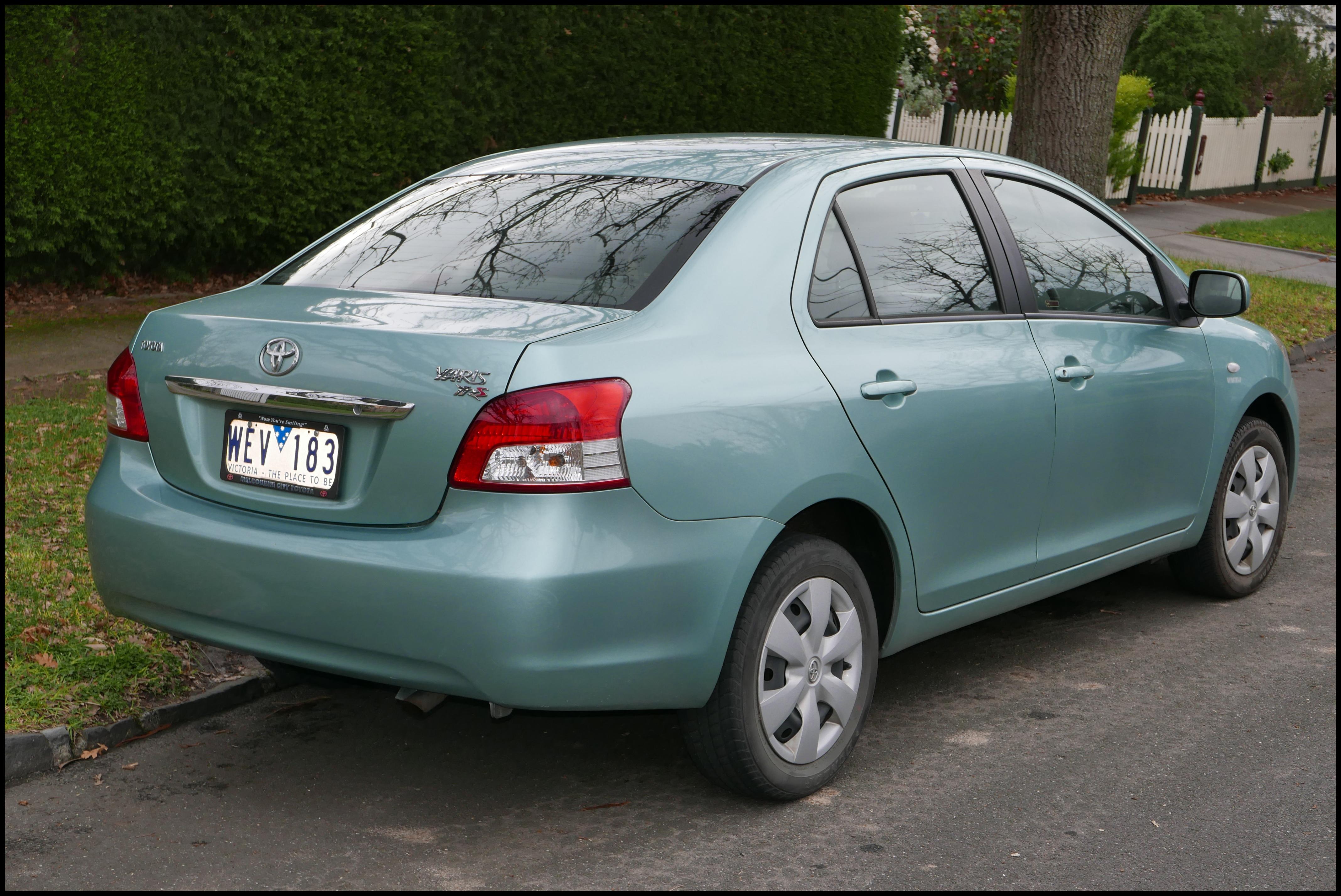 File 2007 Toyota Yaris NCP93R YRS sedan 2015 08 07