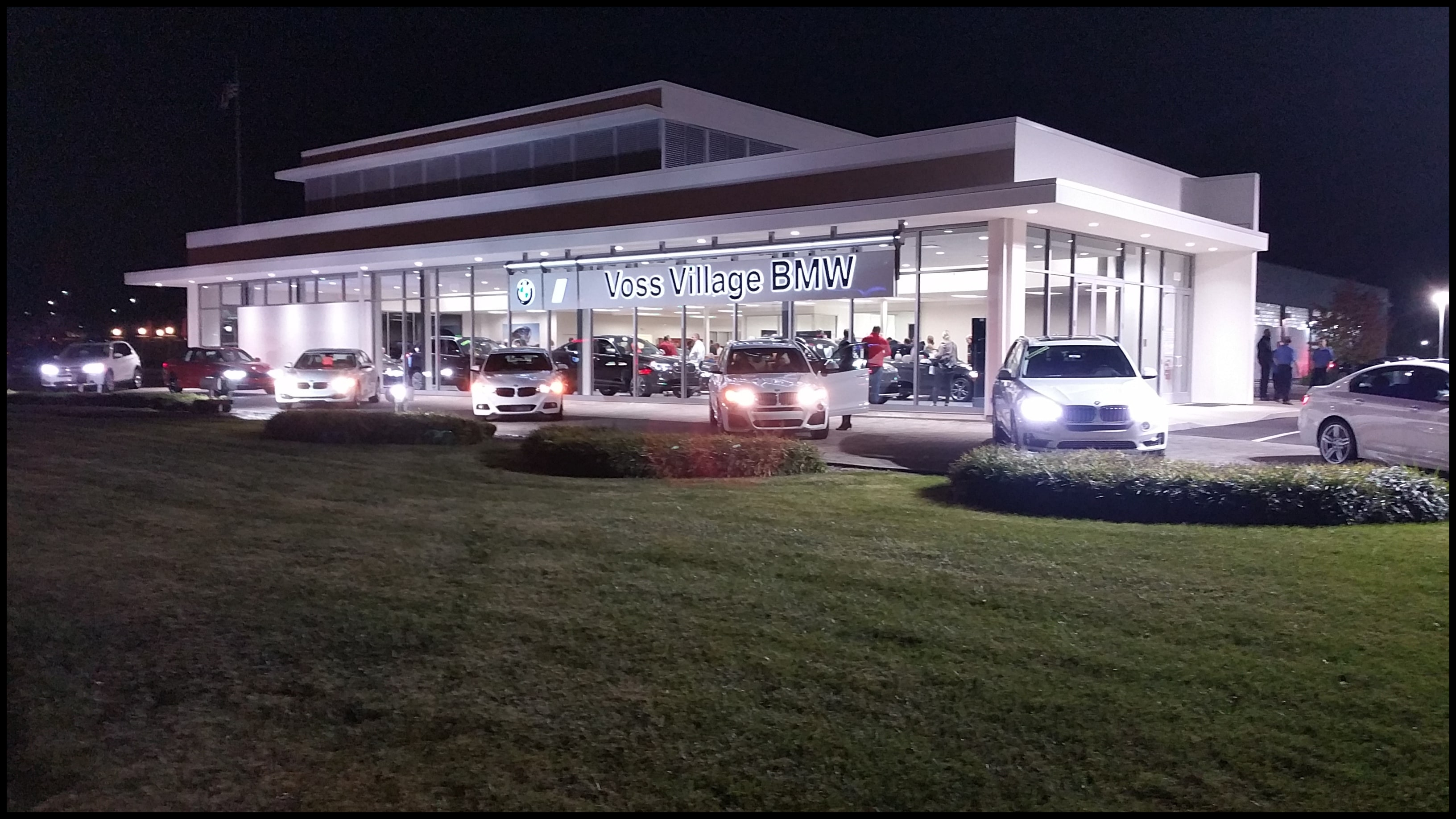 Wel e to Voss Village BMW